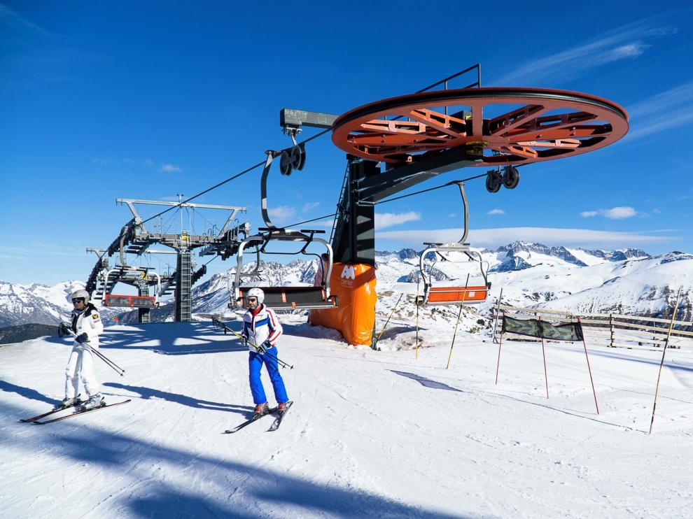 Casi 250 kilómetros esquiables pese a la ausencia de nevadas importantes