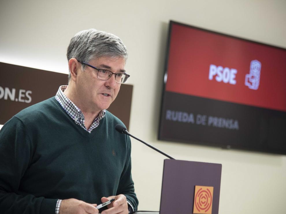 Vicente Guillén manifiesta el apoyo unánime del grupo socialista a la Mesa de Diálogo del Pacto del Agua