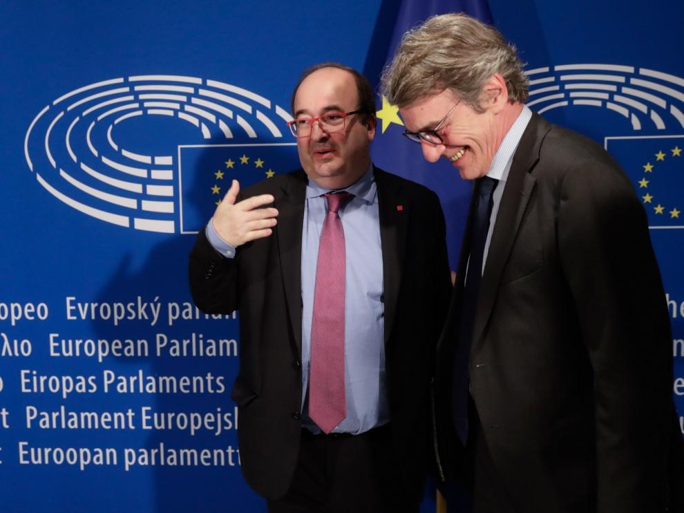 Iceta propone reformar Constitución y Estatuto por la crisis catalana