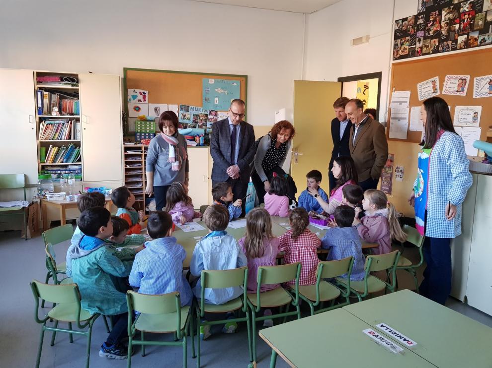 Arén y Montanuy inauguran las aulas para niños de 2 años en el medio rural