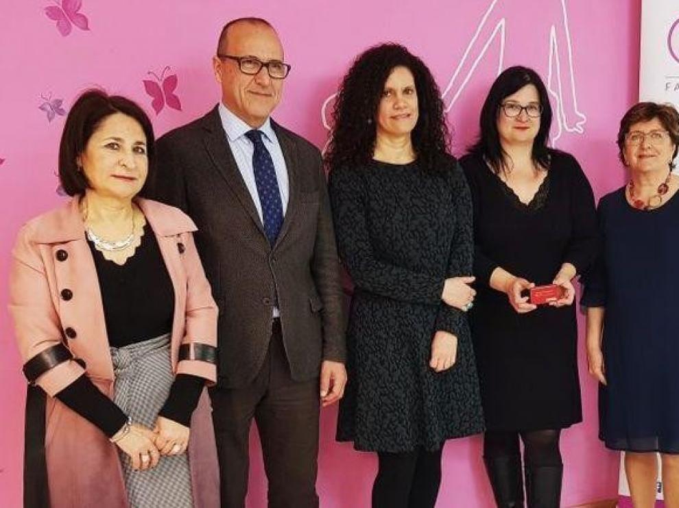 El carné de familias monoparentales de Aragón servirá para obtener un punto extra del proceso de escolarización