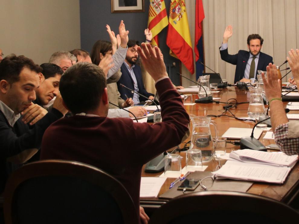 El pleno del Ayuntamiento de Monzón aprueba, por primera vez, ayudas a emprendedores