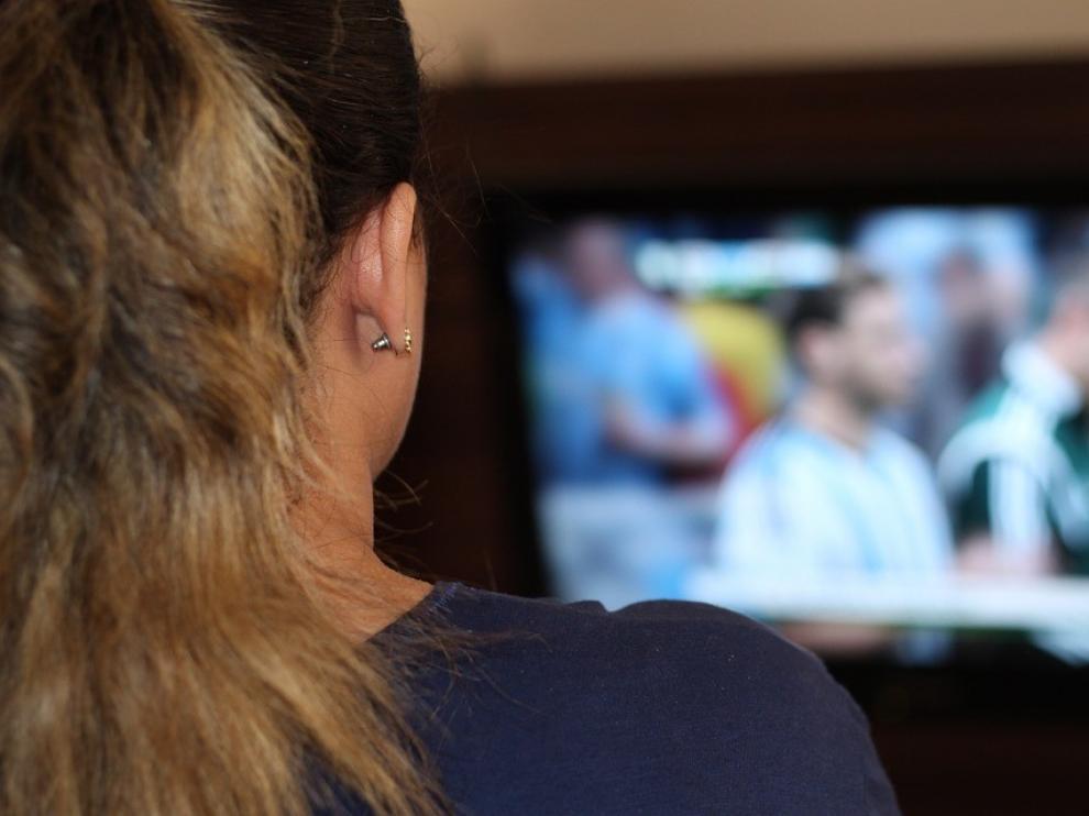 Siete de cada diez españoles vieron el lunes la televisión más de 6 horas