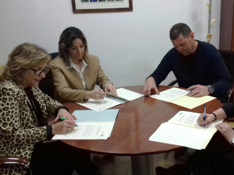 El Alto Gállego firma un nuevo convenio con sus cuatro revistas