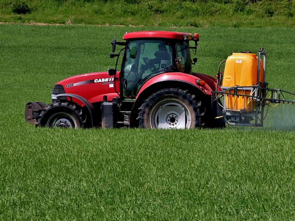 Asaja ofrece sus máquinas agrarias para desinfectar y evitar la propagación del coronavirus