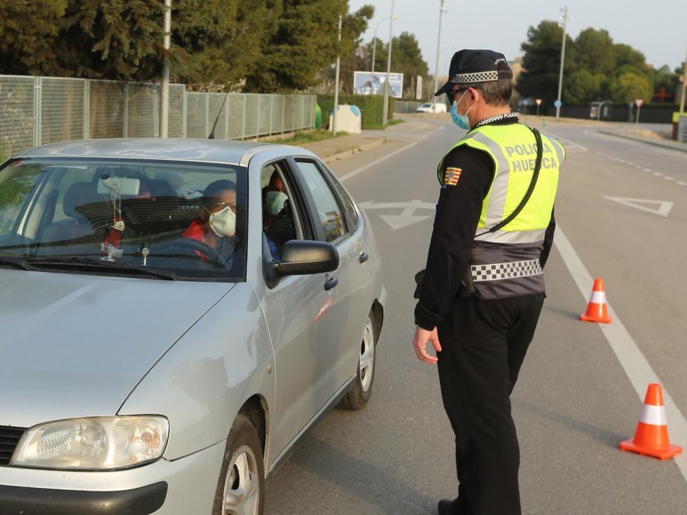 La Policía Local de Huesca subraya que en la fase 1 de desescalada se ha de ser todavía más cuidadoso