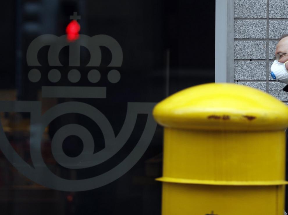 UGT y CCOO afirman que en Aragón hay 148 trabajadores de Correos afectados