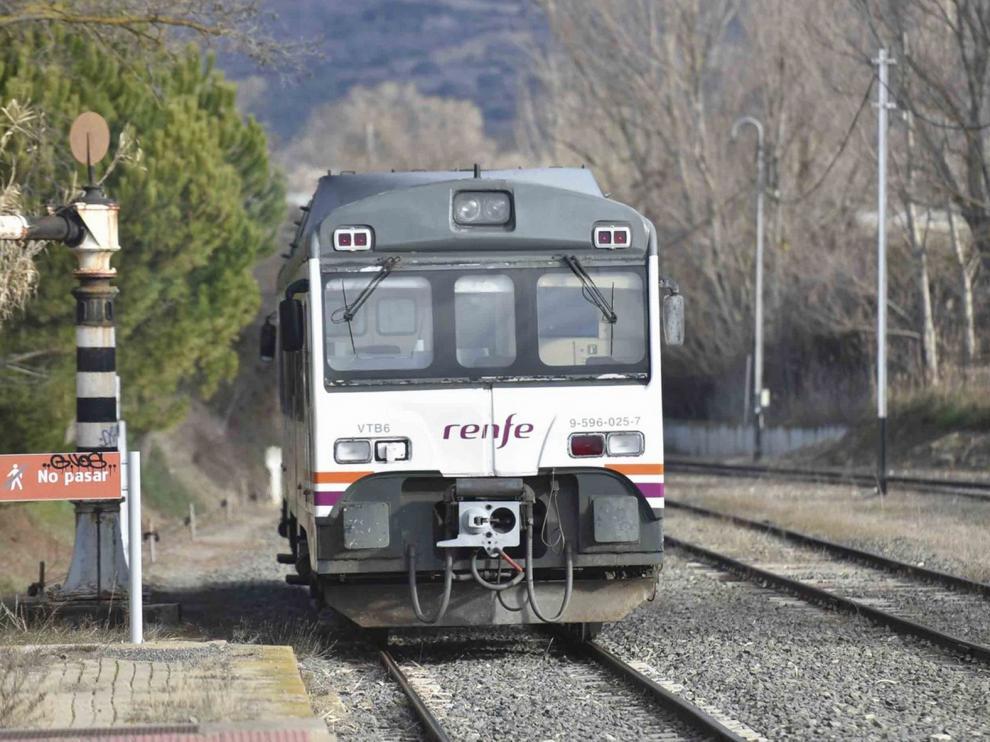 El Canfranero, afectado por una avería en la catenaria de la línea ferroviaria entre Huesca y Zaragoza