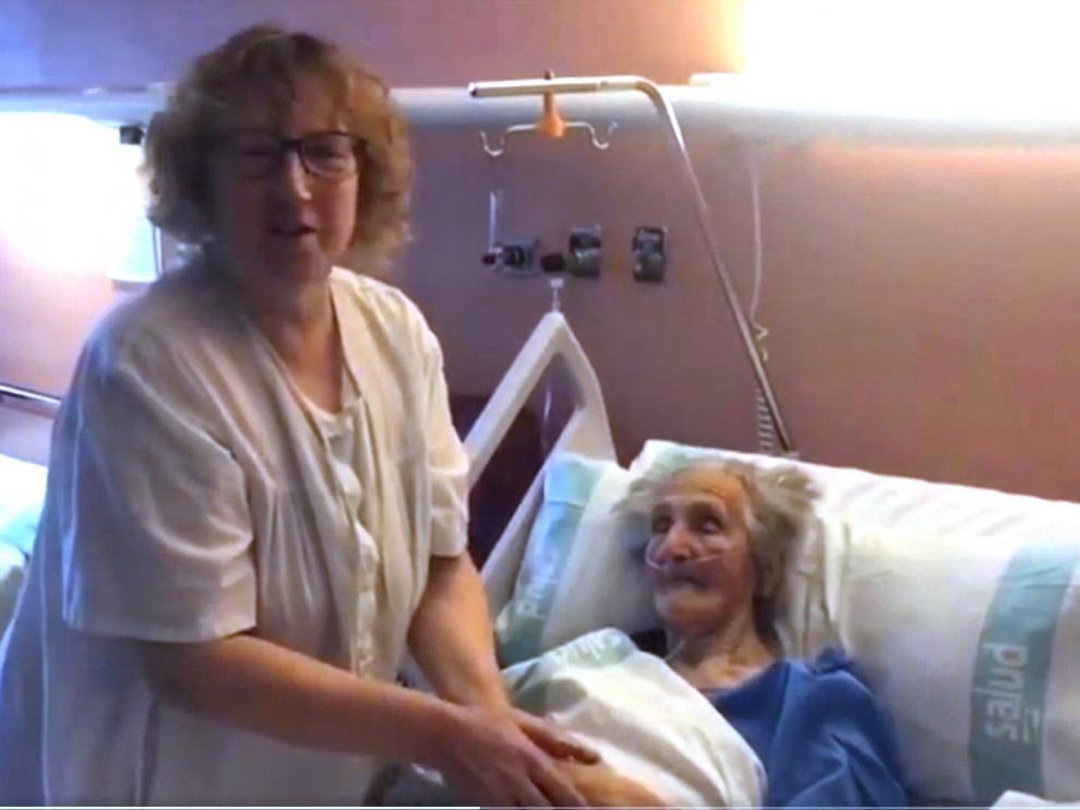 """La hija de la centenaria de Biescas: """"Que sea una esperanza para todo el mundo que esté enfermo de coronavirus"""""""