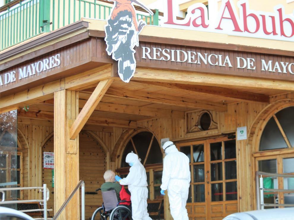 La red de residencias públicas y privadas de Aragón registra 579 casos confirmados de coronavirus