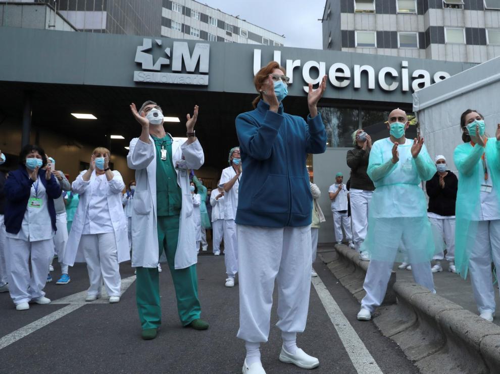 España vuelve a superar los 900 muertos por coronavirus en un día y rozan los 11.000 fallecidos