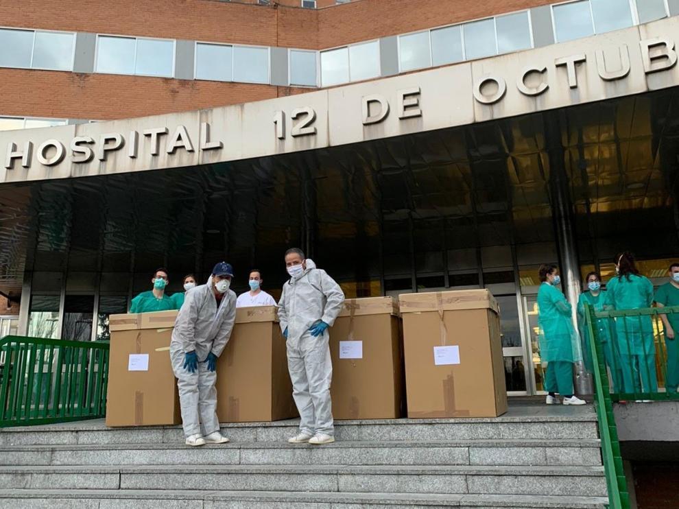 Las máscaras del crowdfunding de Julio Luzán llegan por miles a Madrid y suministran IFEMA