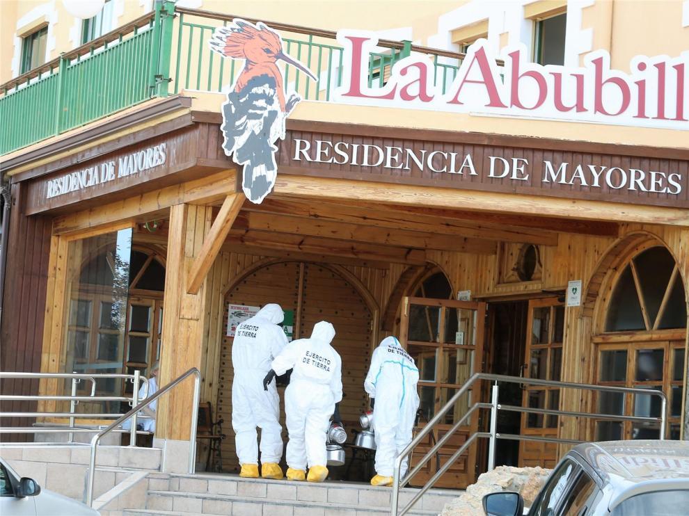 El Ejército realiza labores de desinfección en La Abubilla