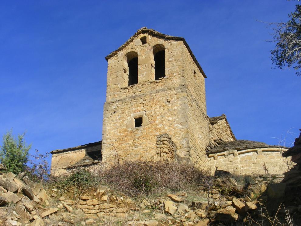 Amigos de Serrablo acondicionará los tejados de varios templos