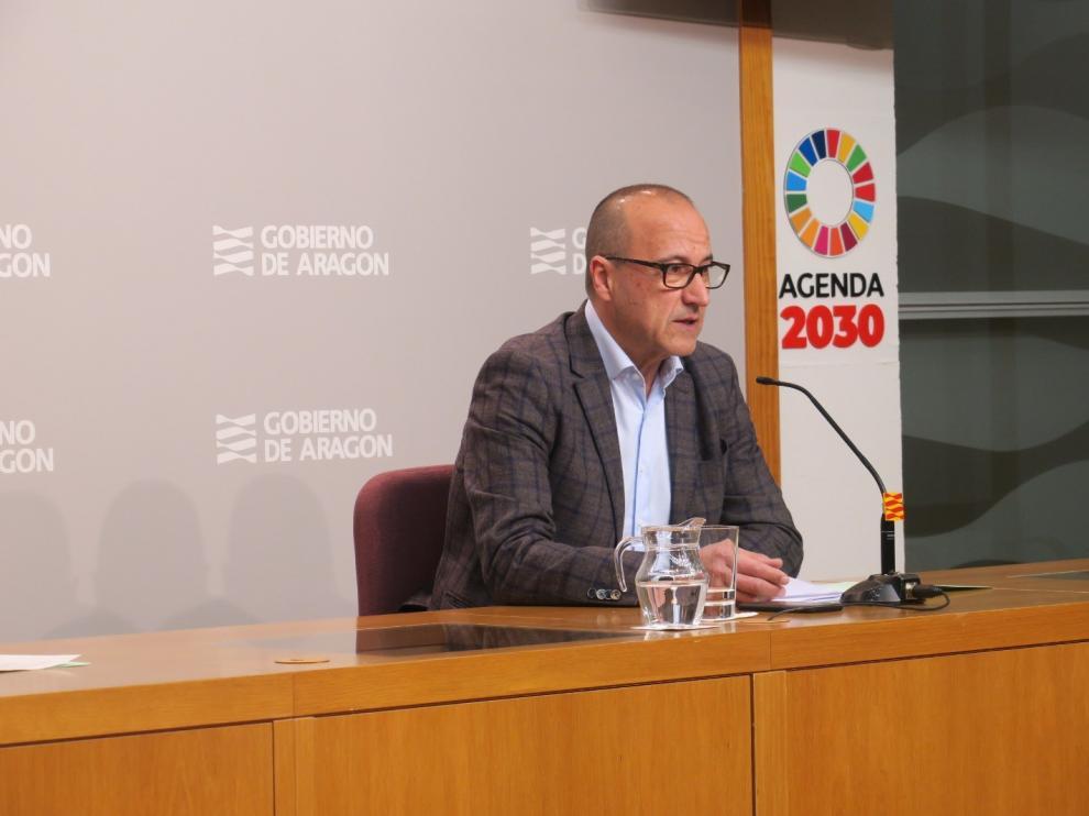 El Gobierno de Aragón repartirá 60 ordenadores y táblets en Huesca para garantizar la atención educativa a distancia