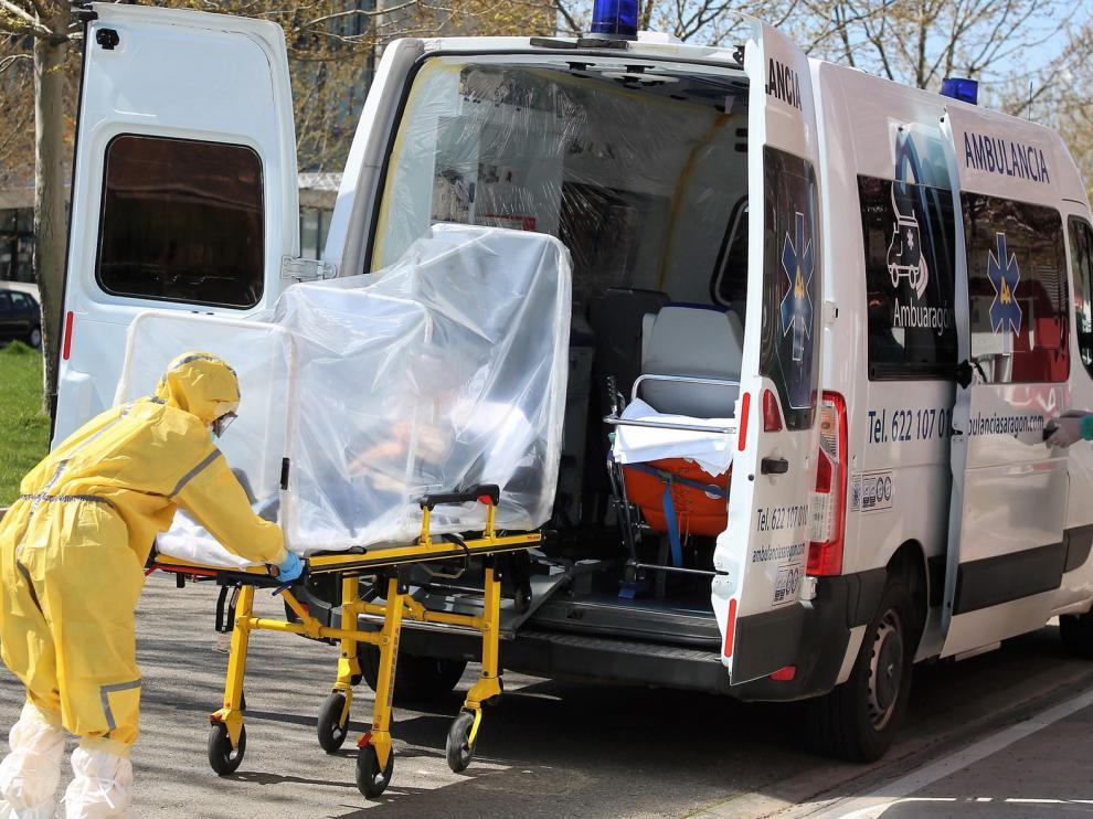 Decrecen los casos activos de coronavirus en Aragón