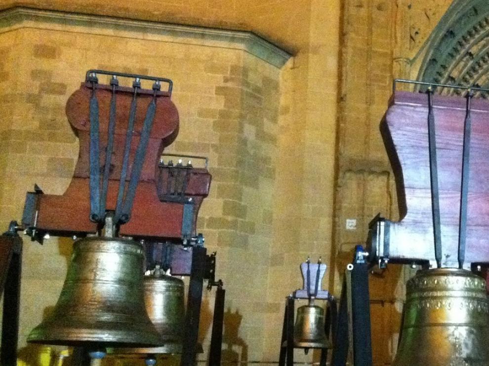 Repique de campanas en el domingo de Pascua por las víctimas del coronavirus