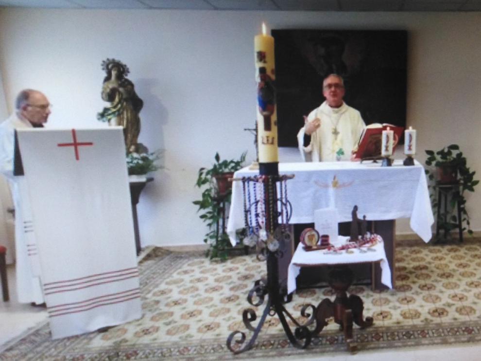 """Barbastro celebra el Domingo de Pascua a la misma hora de la bendición """"urbi et orbi"""""""