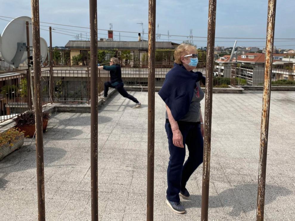 Italia supera los 20.000 muertos por coronavirus y no relaja el confinamiento