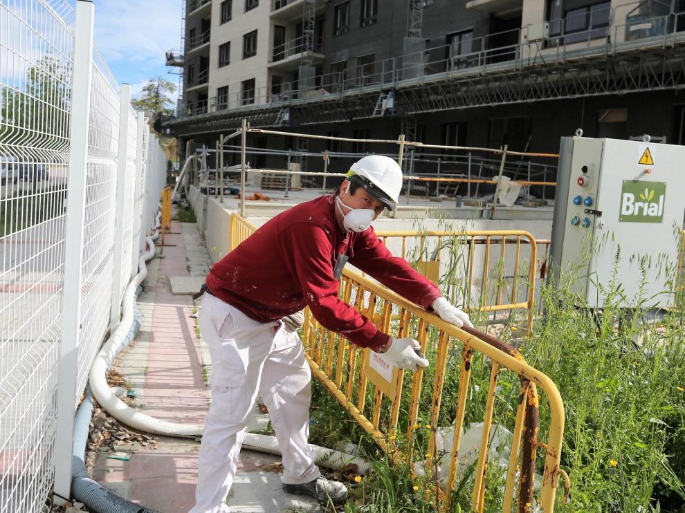 El sector de la construcción se reincorpora en Huesca