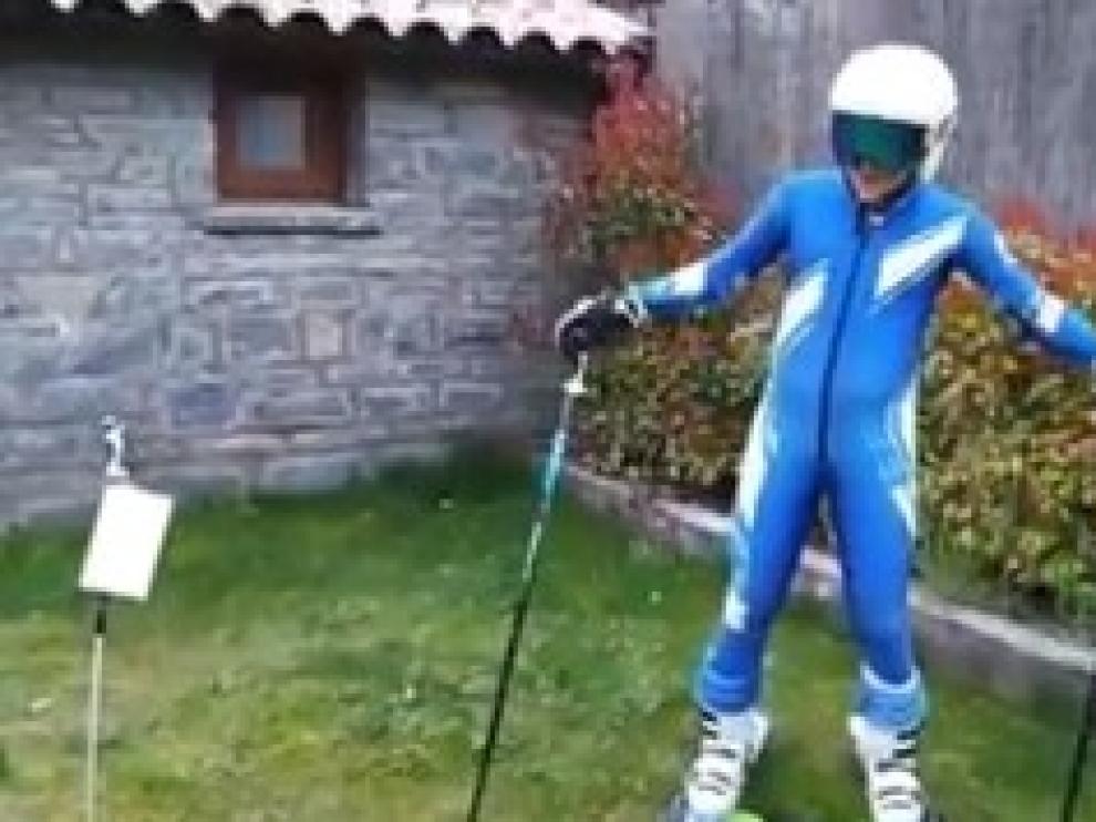Jorge Aznar disputa el último eslalon de la temporada en el jardín de su casa