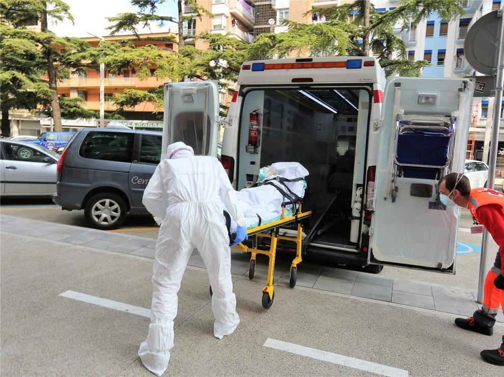 Cuatro casos positivos por coronavirus, con una persona fallecida, en la residencia Avenida de Huesca