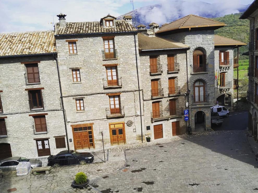 Boltaña invitará a comer a sus mayores el Día de Aragón