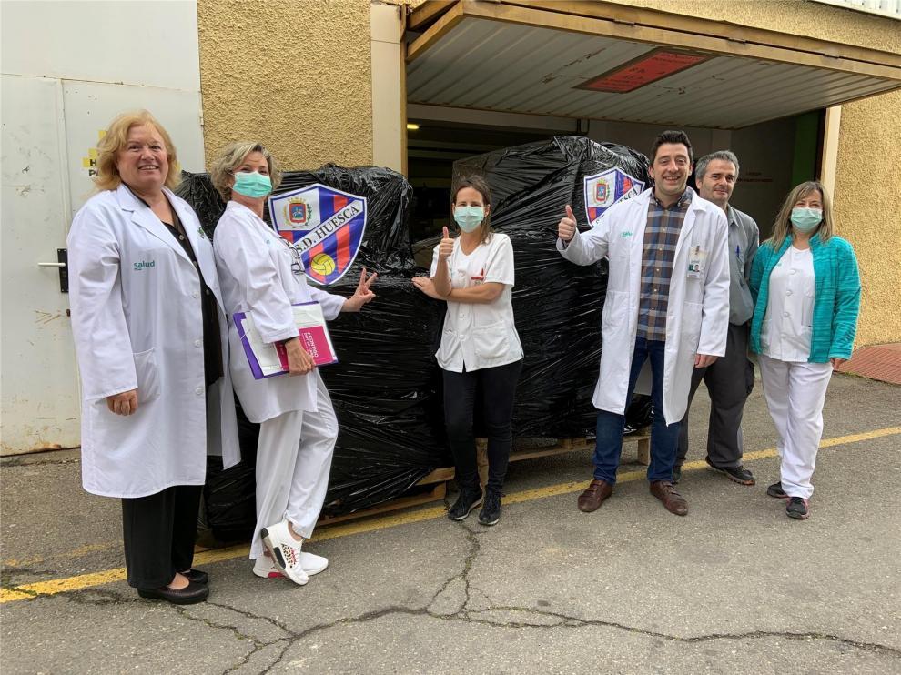 El Huesca dona material de protección al Hospital San Jorge