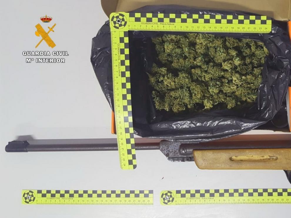 Detenido en Albelda un joven de 21 años por tráfico de drogas