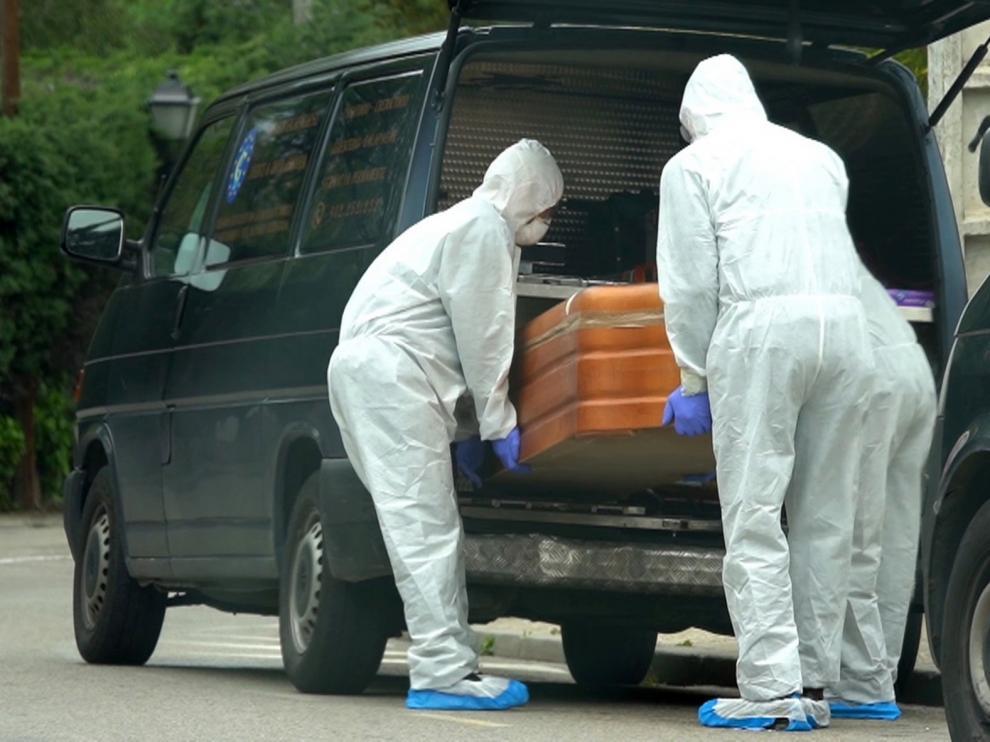La cifra de muertes diarias baja a 48 personas en España