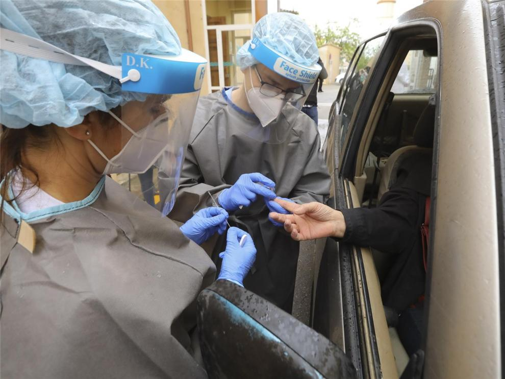 Empieza a funcionar la carpa de test rápidos del Hospital Provincial de Huesca con 30 pruebas este martes