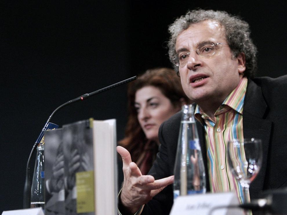 Gobierno, partidos y periodistas lamentan la muerte de José María Calleja