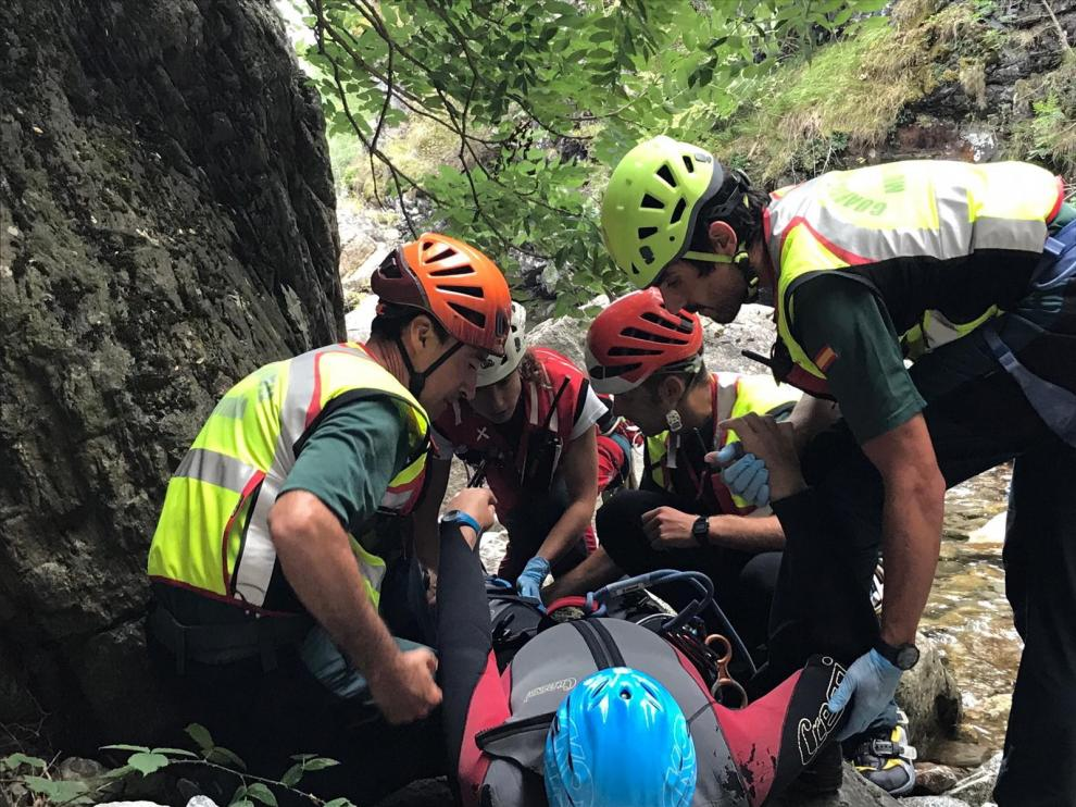 """Las unidades de rescate de la Guardia Civil recomiendan ir """"poco a poco"""" cuando dejen salir a la montaña"""
