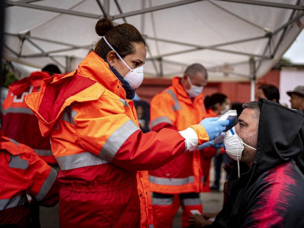 Las muertes diarias por coronavirus en España bajan a 288