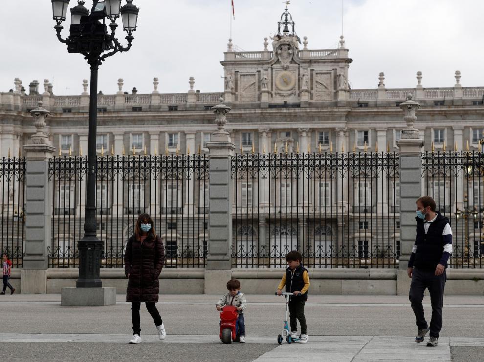 España suma 331 muertos con coronavirus en las últimas 24 horas, un leve repunte