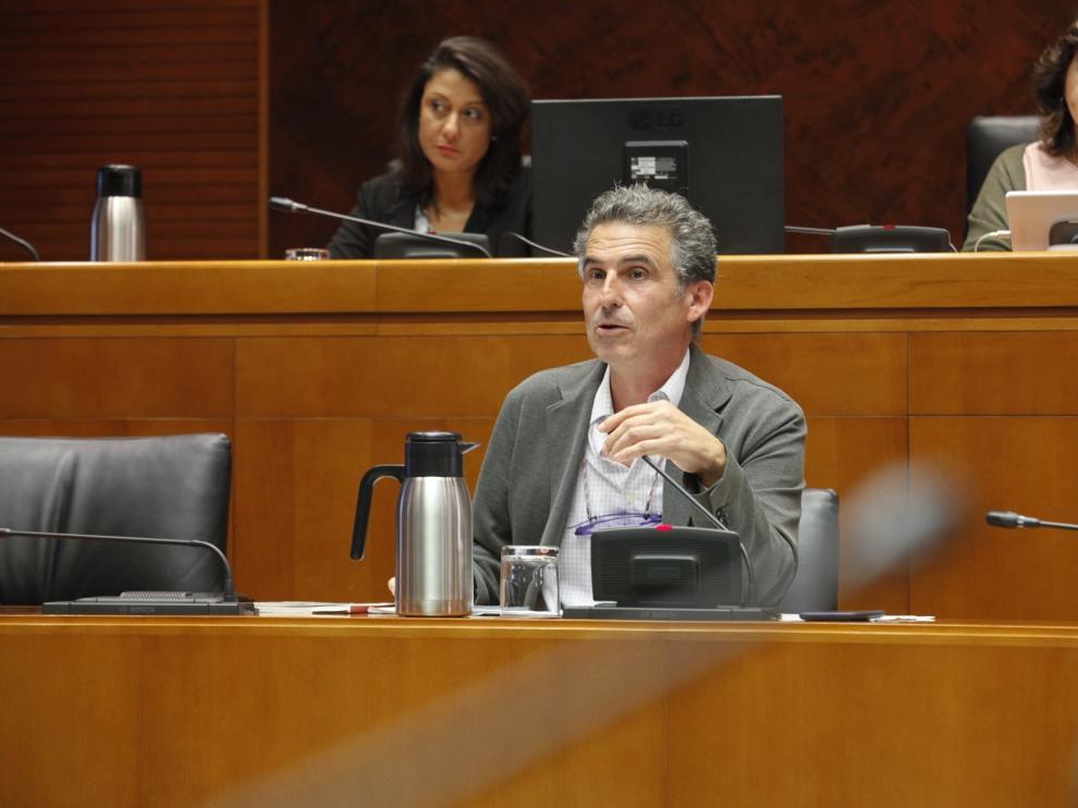 Debate en las Cortes sobre los problemas en Binéfar con el control sanitario a los trabajadores