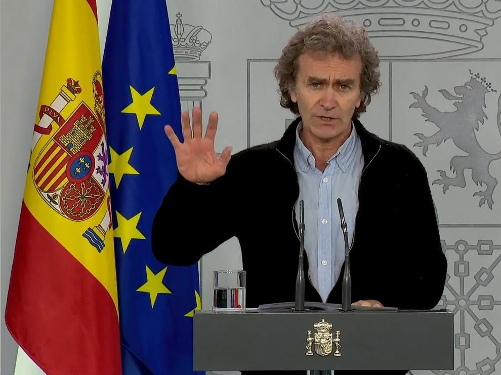 El número de fallecidos diarios por coronavirus en España cae a 301 y los nuevos casos a 1.308