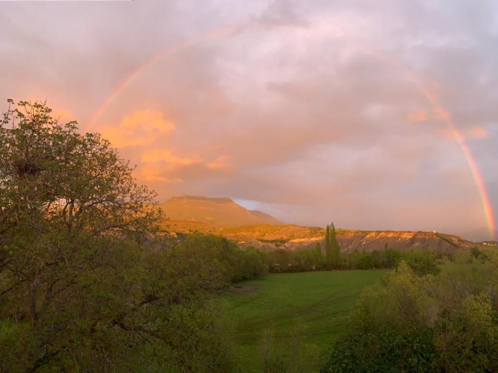 Un bello arcoíris desde Aurín