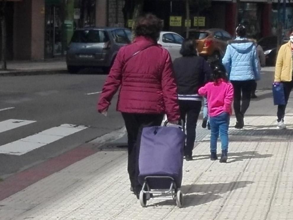 Sabiñánigo valora la normalidad en la salida a la calle de los niños durante la desescalada