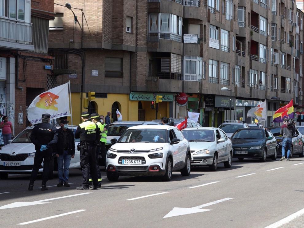 Una caravana de 30 coches, única protesta en el Primero de Mayo