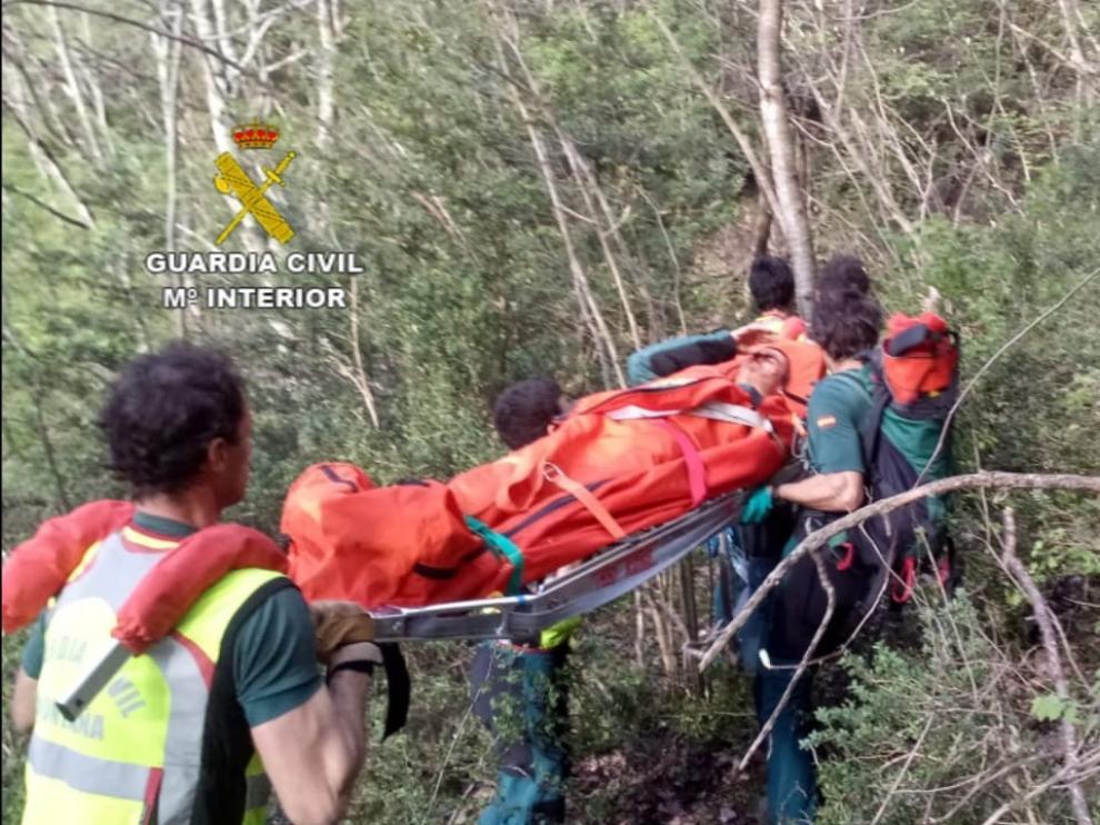 La Guardia Civil de Benasque rescata a una persona que cayó por un barranco