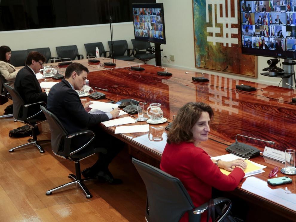 El Gobierno apela a partidos y autonomías para mantener el estado de alarma