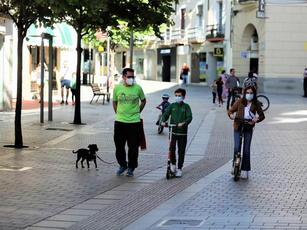 Las calles de Huesca, más tranquilas en el segundo día de salidas