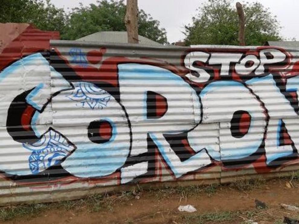 El grafiti, la medicina preventiva contra el coronavirus en Sudán del Sur