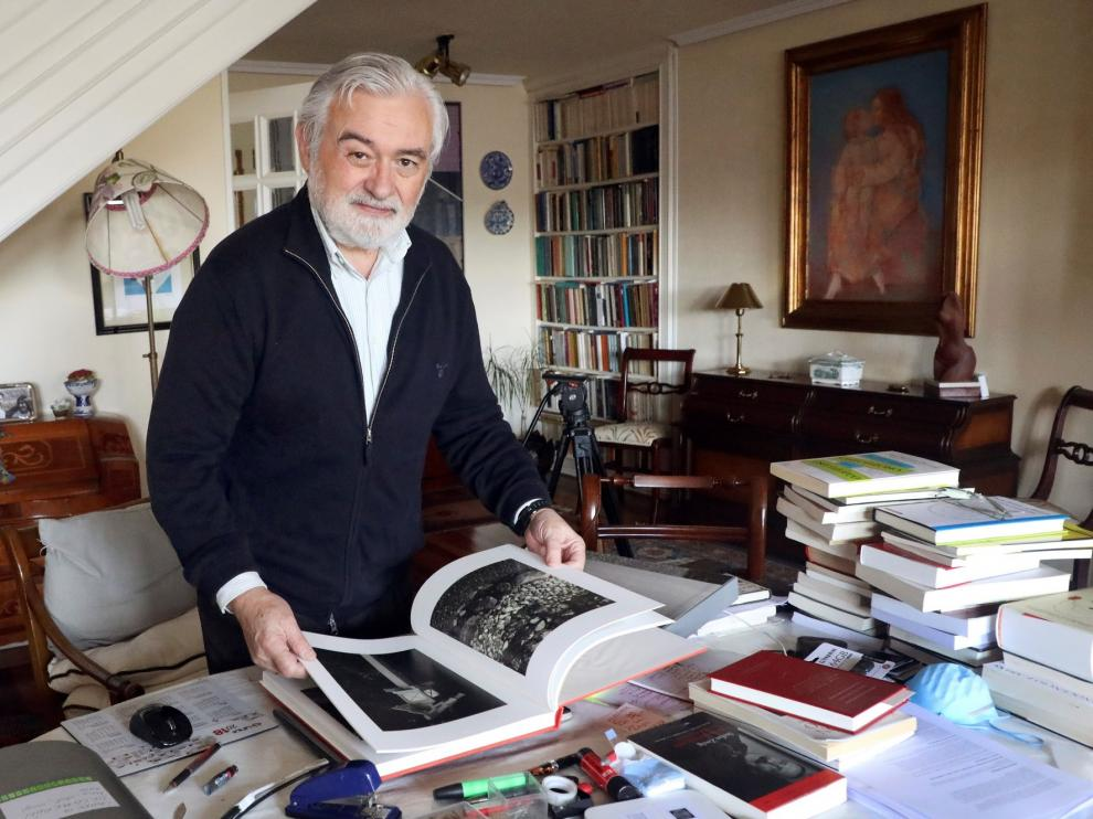 """Darío Villanueva: """"Es fundamental adaptar el diccionario a la nueva realidad"""""""