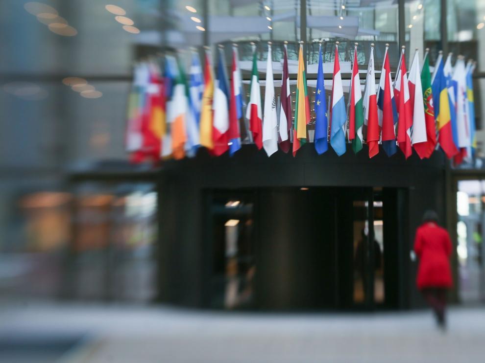 """Bruselas presentará pronto un plan """"ambicioso"""" contra la crisis causada por la pandemia del coronavirus"""