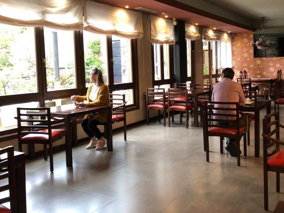 Gran parte de la hostelería opta por abrir cuando el tráfico sea interprovincial