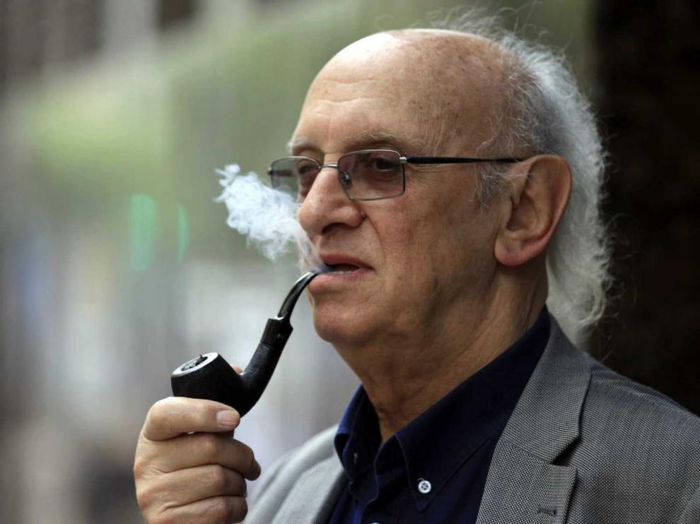 """Petros Márkaris: """"Muchos elogian a Grecia, pero antes nos pusieron en la picota"""""""