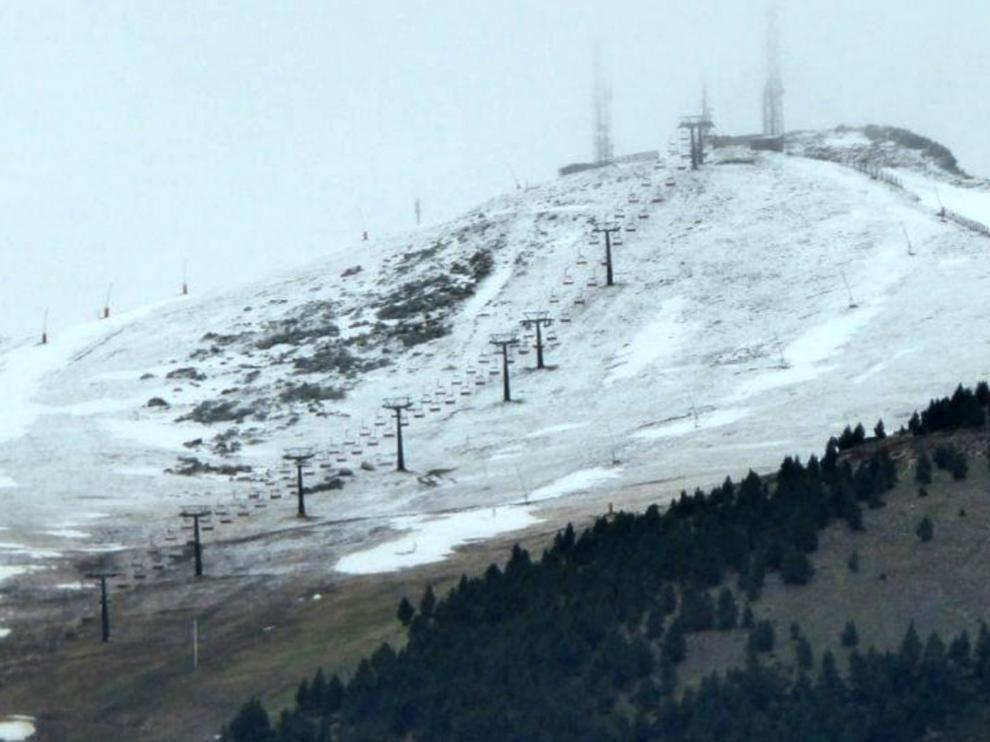 Cerler marca la segunda temperatura mínima de España con 0,9ºC