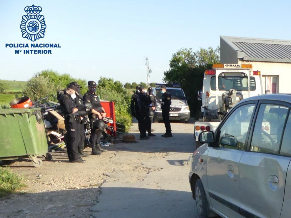 Identificados 4 jóvenes que realizaban trompos y derrapes en coche en Huesca